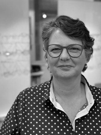 Claudia Thierbach ist Augenoptiker-Meisterin und die Geschäftsführerin der Optik Thierbach GmbH - Ihrem Optiker in der Darmstädter Innenstadt